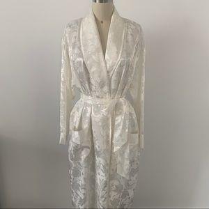 VTG Victoria Secret Ivory Silk Robe Bridal Sz M